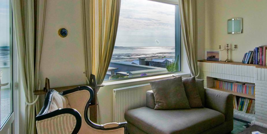 Le salon de l'Occident, maison de location saisonnière en Baie de Somme, et sa magnifique vue sur la mer.