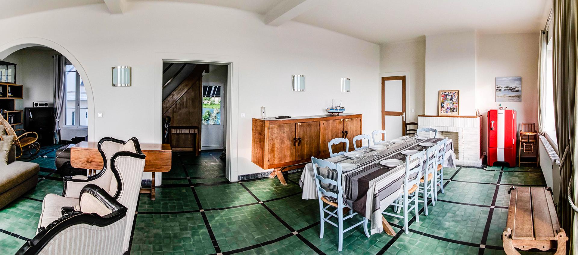 Le séjour et la salle à manger de l'Occident, maison de location saisonnière en Baie de Somme.